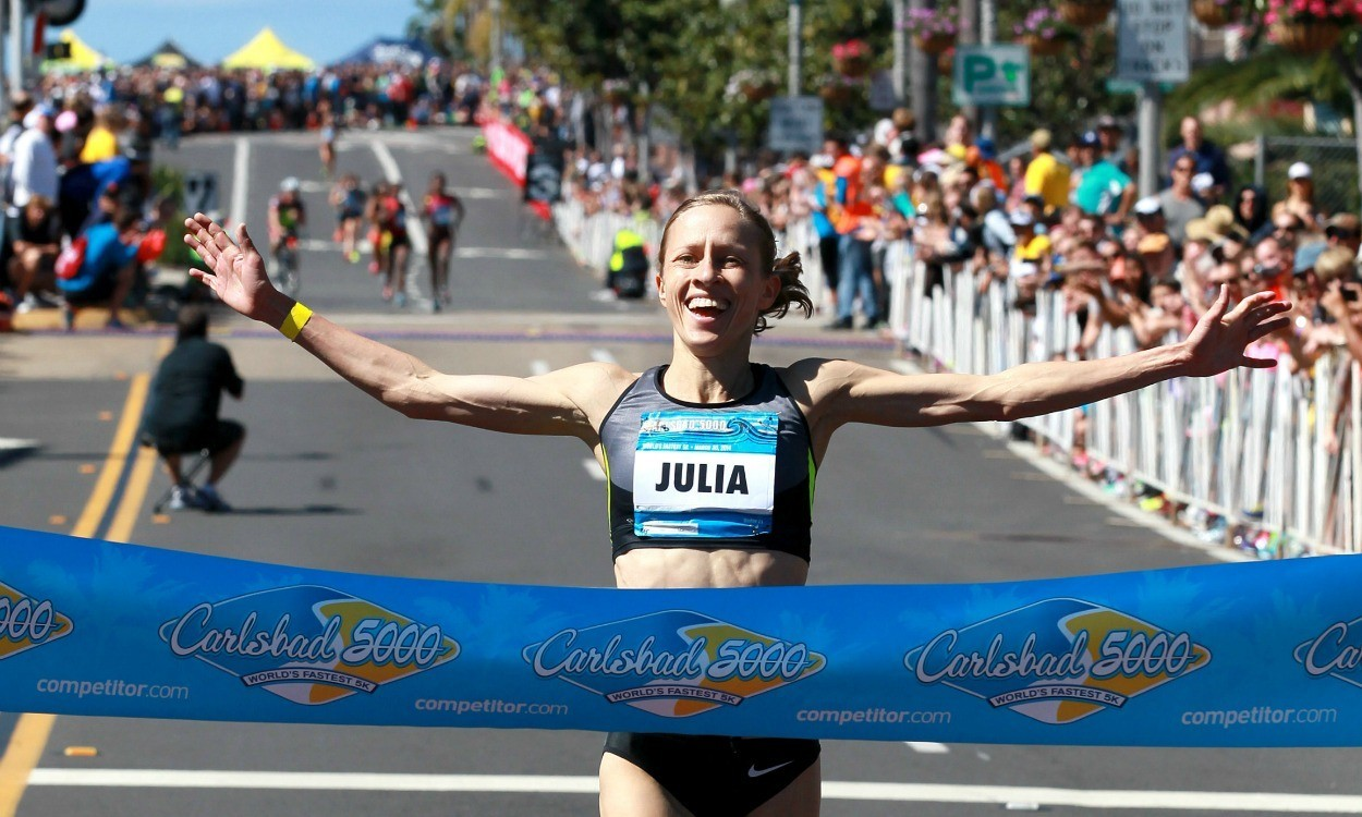 Julia Bleasdale wins season opener in Carlsbad