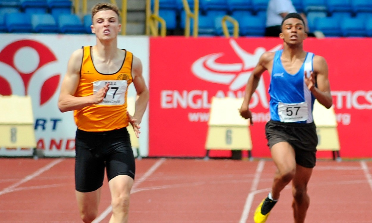 Video: English Schools junior boys 300m