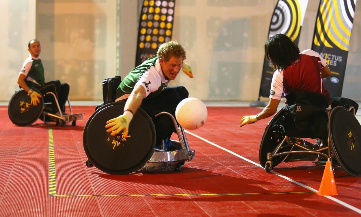 Kelly Holmes and Denise Lewis compete at Invictus Games