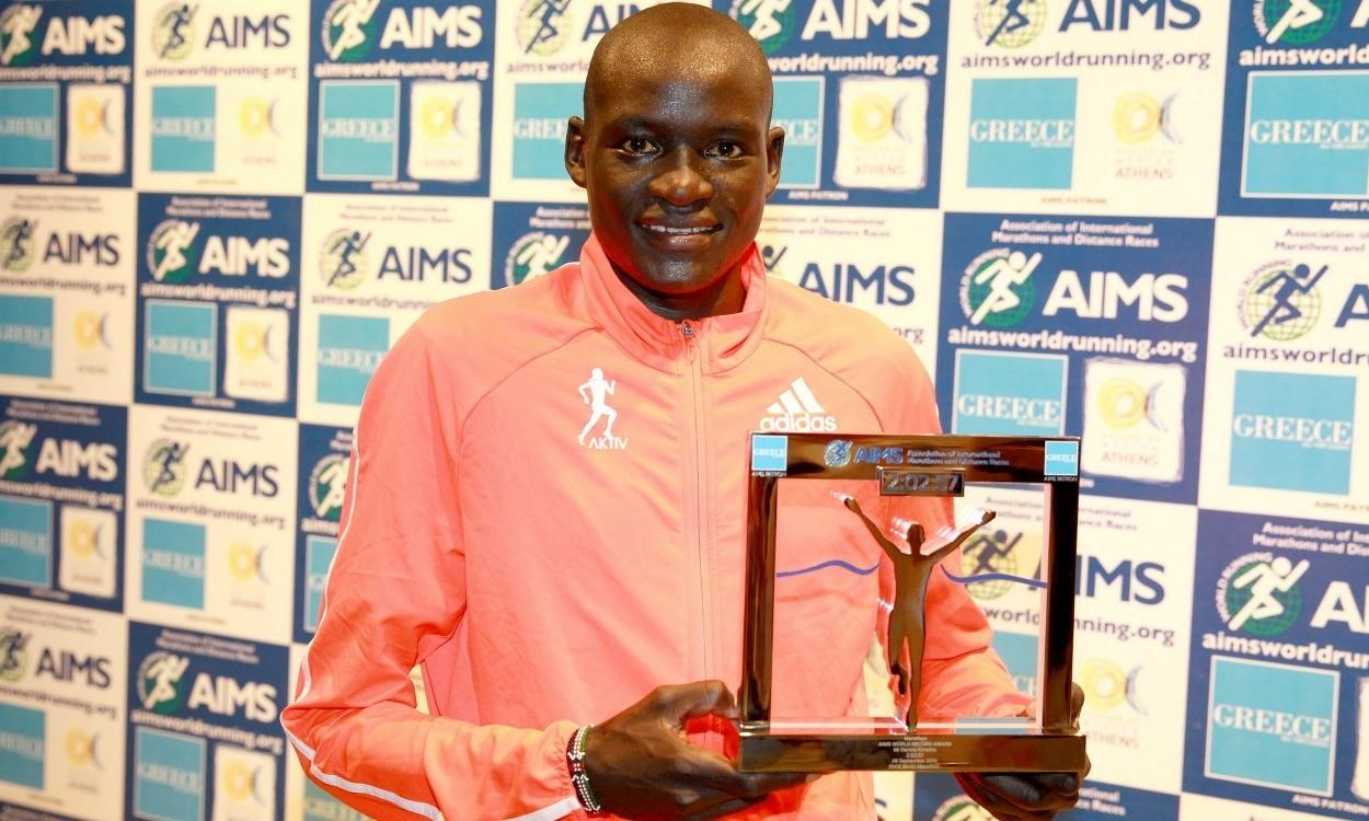 Dennis Kimetto receives AIMS World Record Award