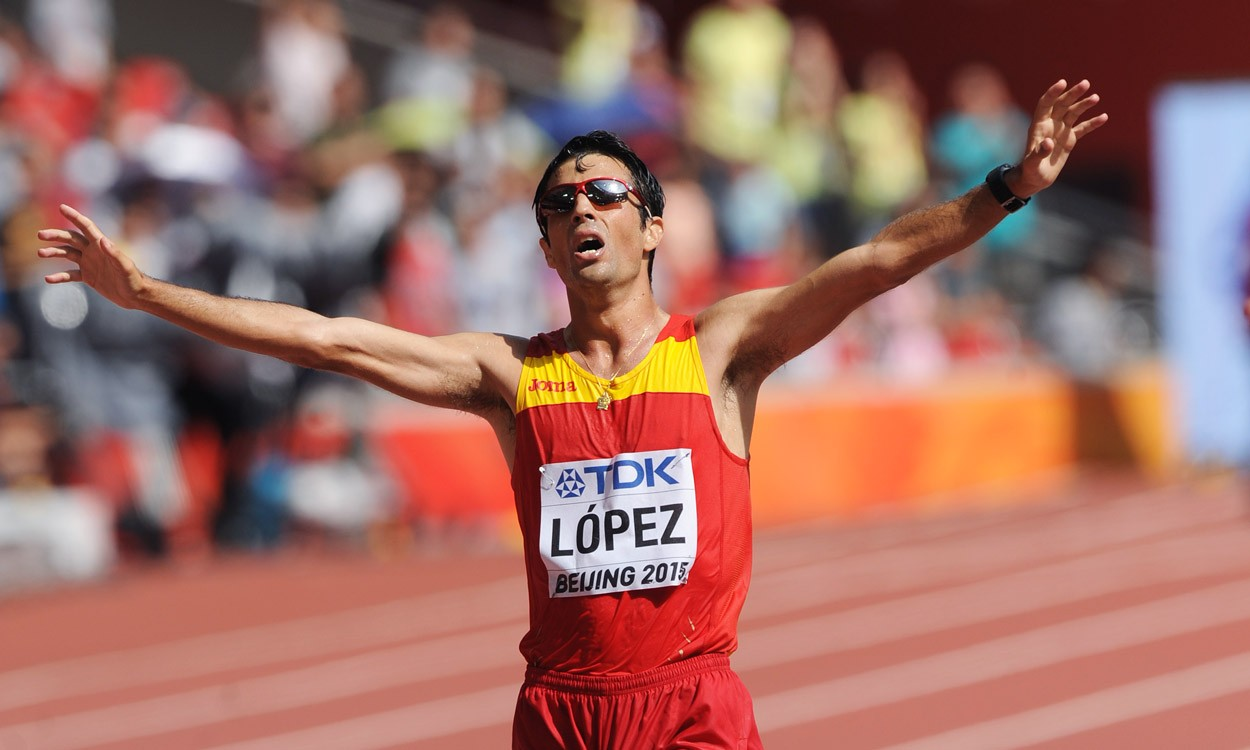 Lopez beats Wang to world 20km race walk title