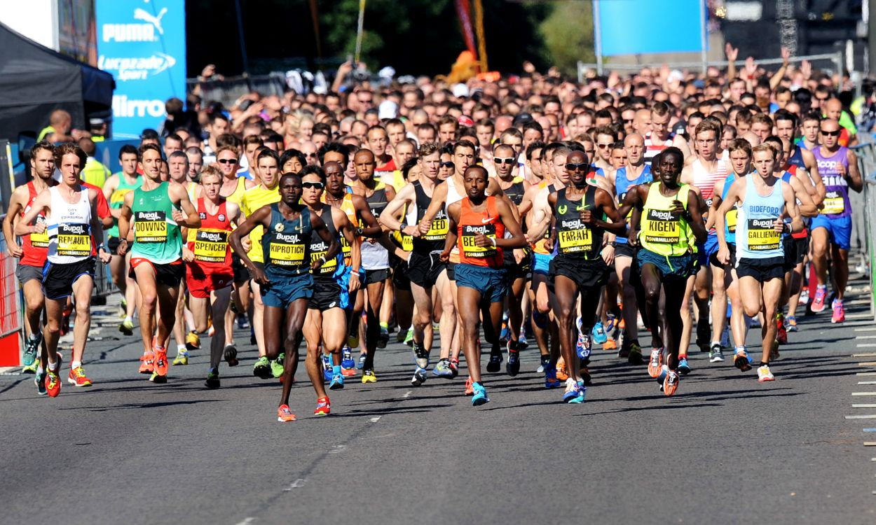 Mo Farah and Mary Keitany defend Great North Run titles