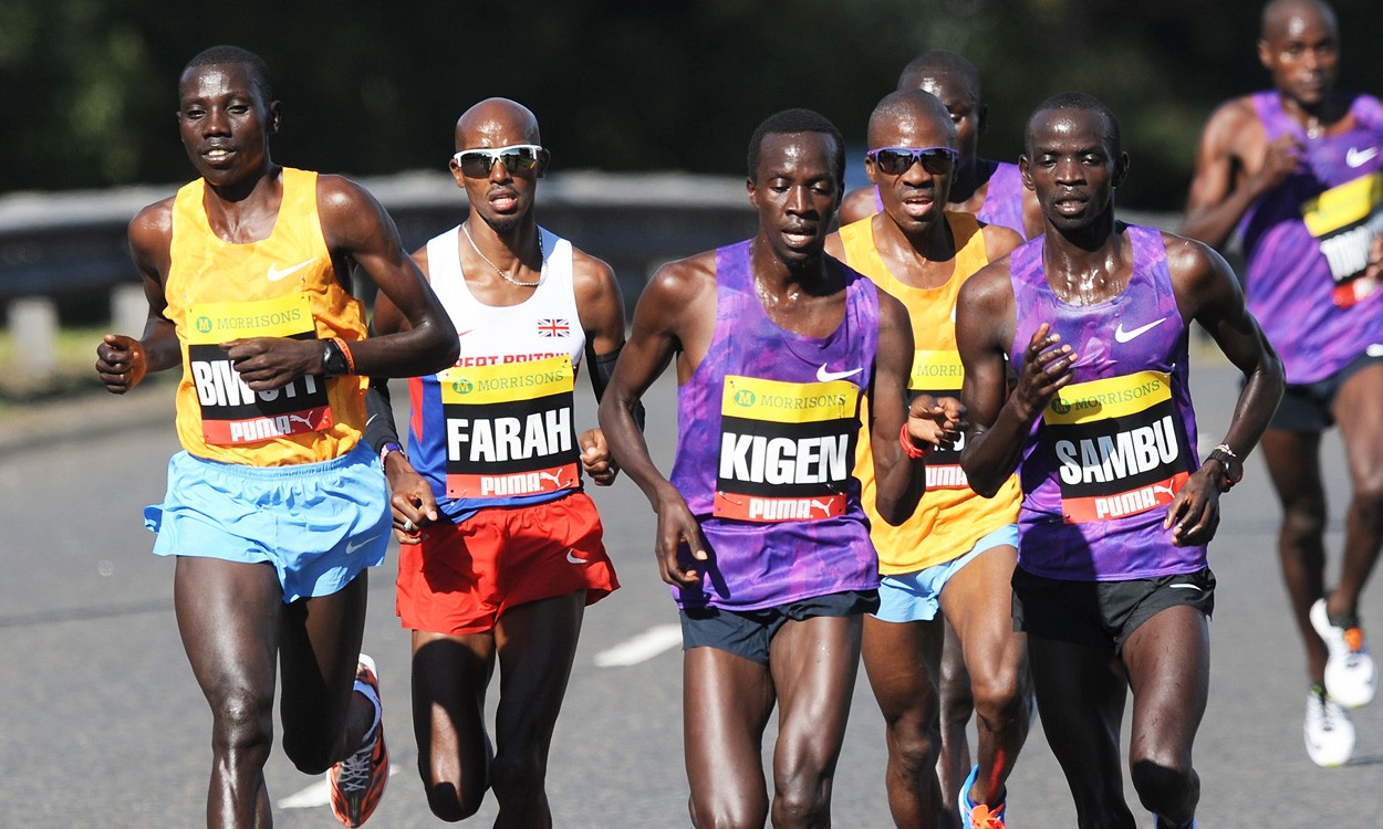 Mo Farah sprints to second successive Great North Run victory