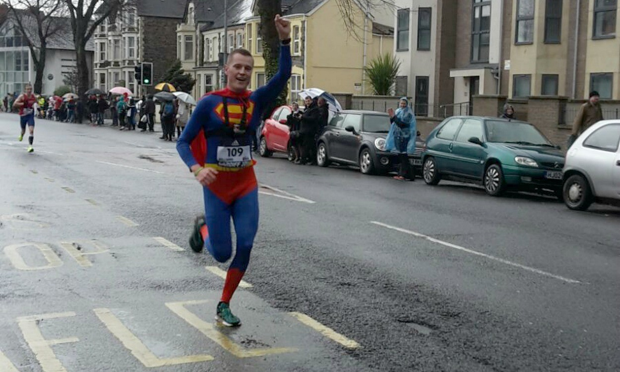 Superman captures Geoffrey Kamworor's fall and rise at World Half