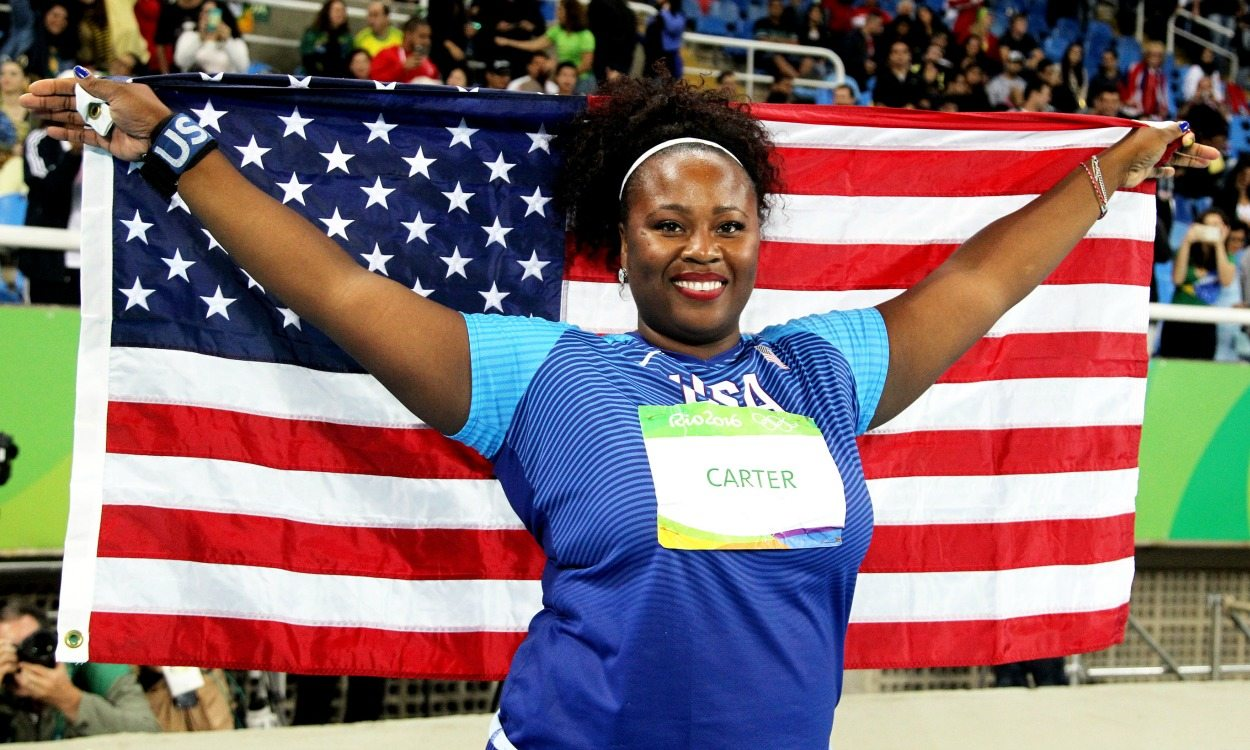 Last-gasp win for big shot Michelle Carter at Rio 2016