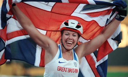 Hannah Cockroft's emotional Commonwealth Games boost