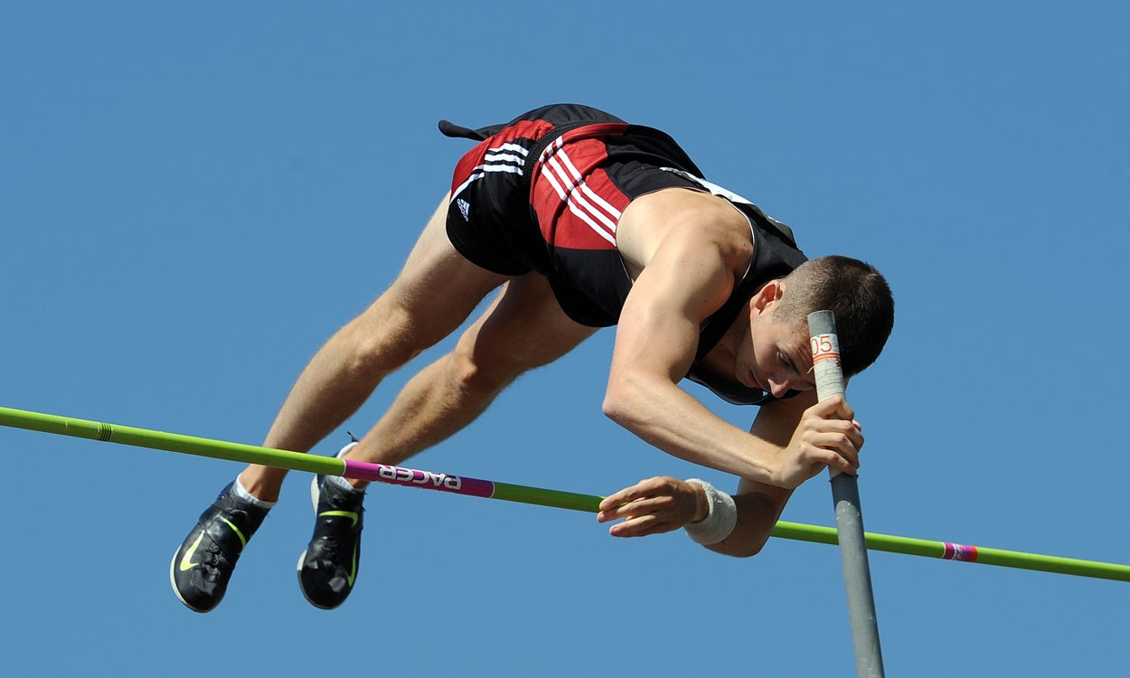 Charlie Myers wins BUCS title with record-breaking vault