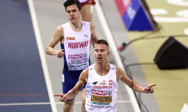 Marcin Lewandowski dashes Ingebrigtsen's double dream