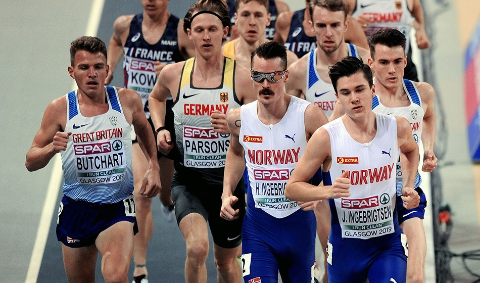 Jakob Ingebrigtsen takes European indoor 3000m title