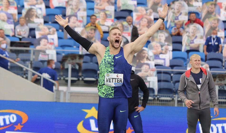 Johannes Vetter close to Jan Zelezny's world javelin record