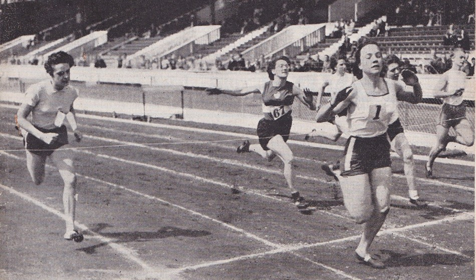 Trailblazing sprinter June Foulds dies