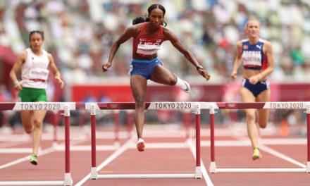 McLaughlin, Muhammad, Bol cruise through 400m hurdles heats