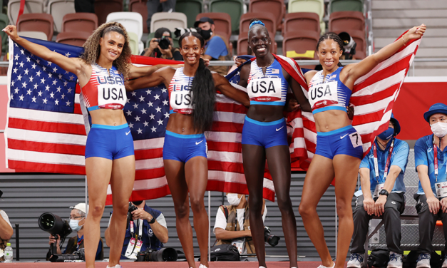 USA dominate women's 4x400m with Mu 48.32 anchor