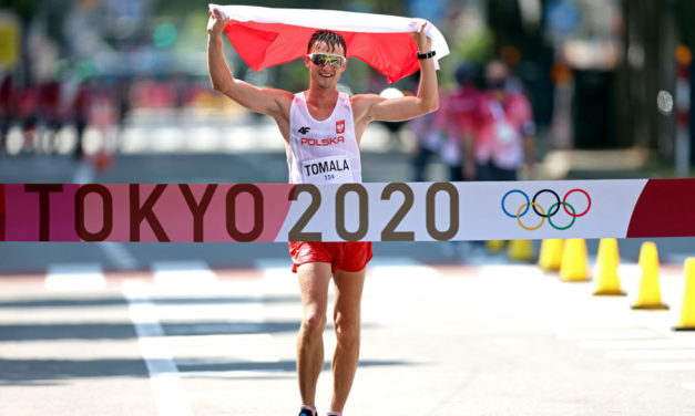 Unheralded Dawid Tomala wins 50km walk in style