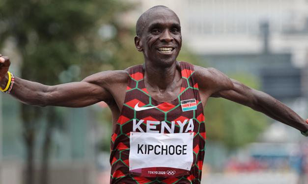 Greatest of all-time Eliud Kipchoge retains marathon title