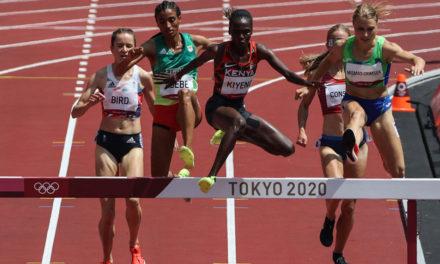 Lizzie Bird flies into steeplechase final
