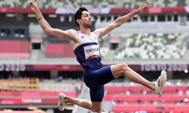 Miltiádis Tentóglou snatches gold from Cubans in final round of long jump